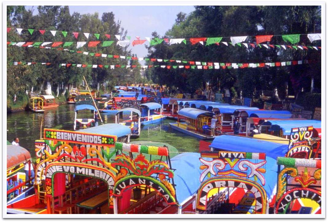 Schwimmende Gärten in Xochimilco in Mexico City